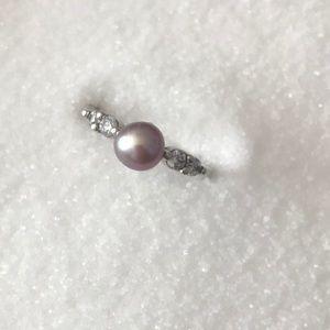 Vantel Pearls Skydancer Ring Size 8